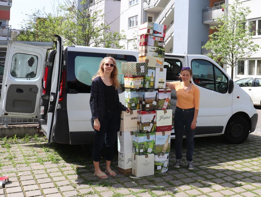 Linea & Maika sammeln in Freiburg